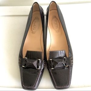 TOD'S Crocodile-Effect Leather Square Toe Loafer